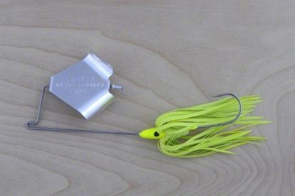 Picture of Lunker Lure 4212-0662 Original Buzz Bait, 1/2 oz, Chartreuse Skirt/Silver Blade